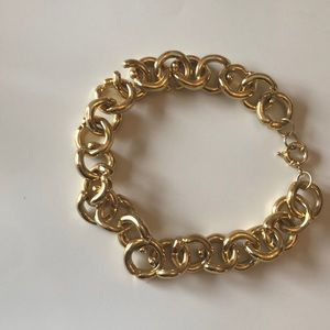 Jewelry - Gold chain link necklace